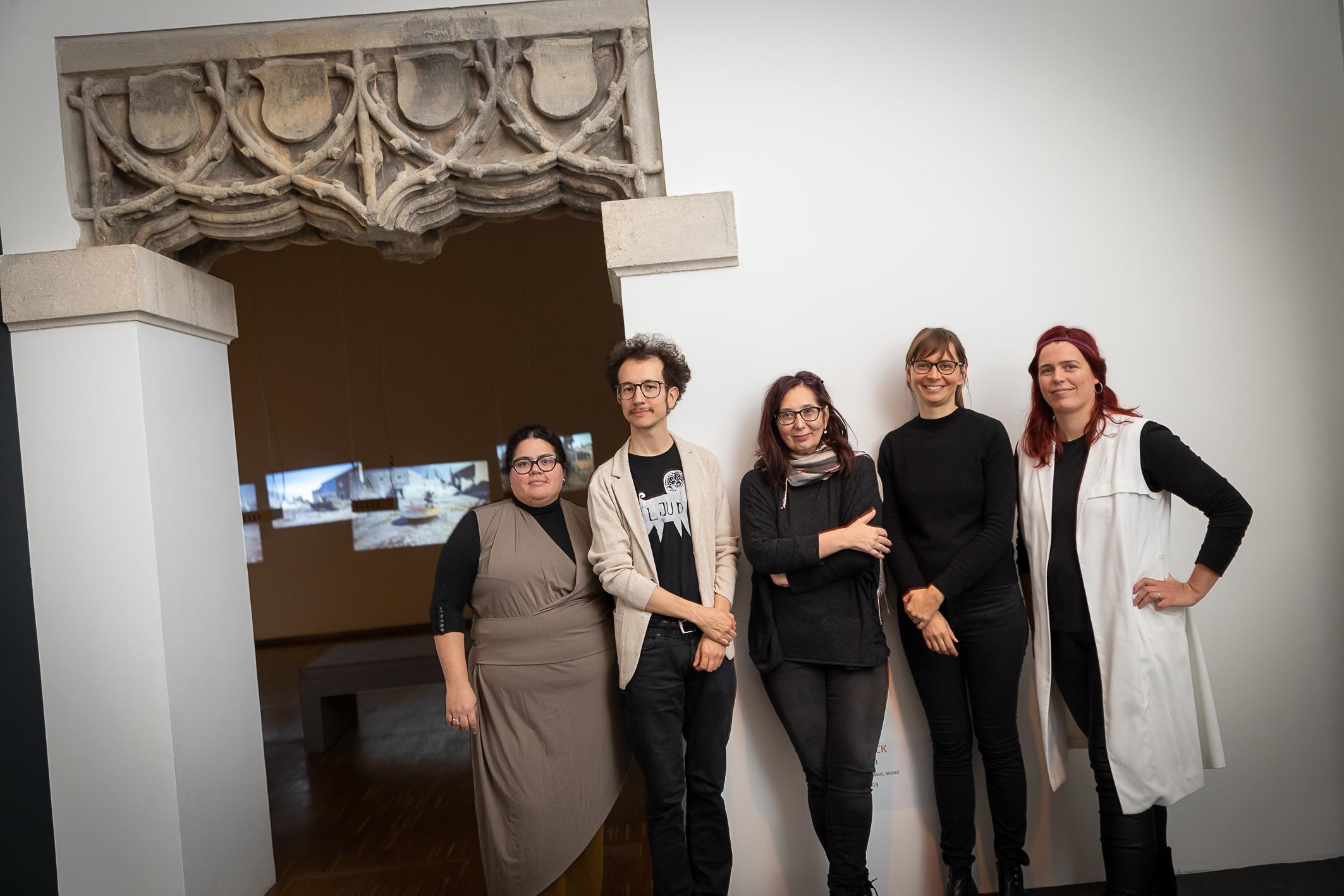 Nayarí Castillo, Robin Klengel (Total Refusal), Kuratorin Radmila Iva Janković, Julia Gaisbacher, Lena Violetta Leitner, Foto: Universalmuseum Joanneum/ N. Lackner